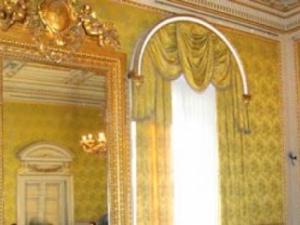 la sala degli specchi a villa mimbelli